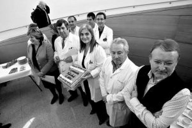 Tarta para celebrar el 15 aniversario del centro de salud de Ermitagaña