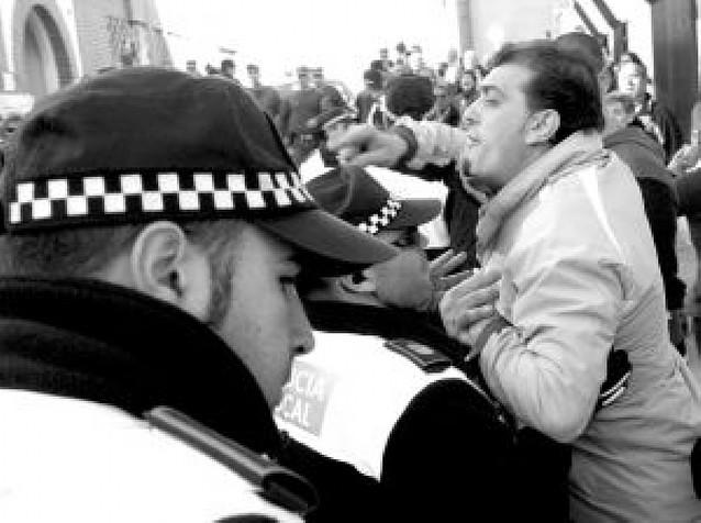 Abucheos en la moción de censura de Pinto que saca al PP de la alcaldía