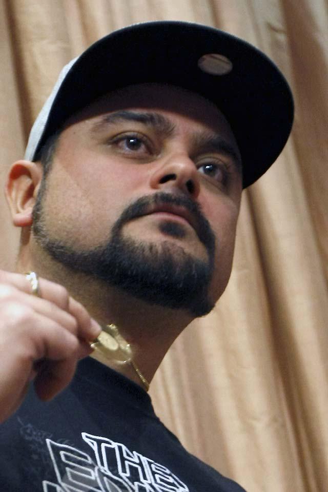 """El rapero Nach aclara que sólo quería """"desvincularse"""" de la campaña del condón"""