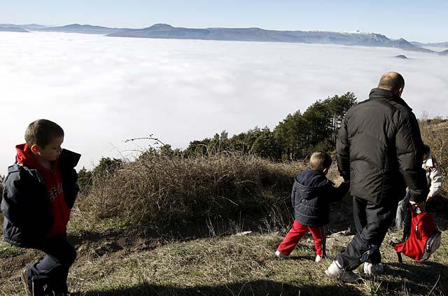 La niebla obliga a desviar a Bilbao un avión que debía aterrizar en el aeropuerto de Noáin
