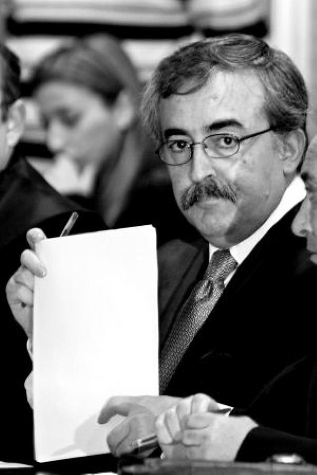 Condenan al juez Calamita por retraso malicioso de adopción