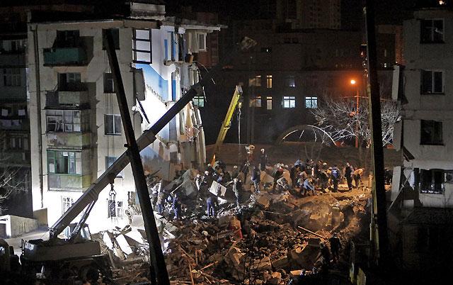 Al menos 19 muertos por una explosión de gas en un edificio de un balneario en Ucrania