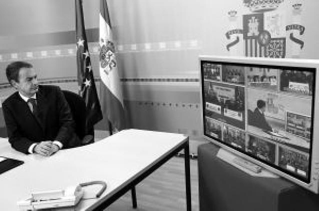 Zapatero elogia la labor de los militares que están desplegados en el extranjero
