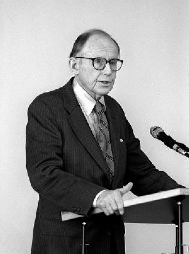 """Fallece Huntington, autor de """"El choque de las civilizaciones"""""""