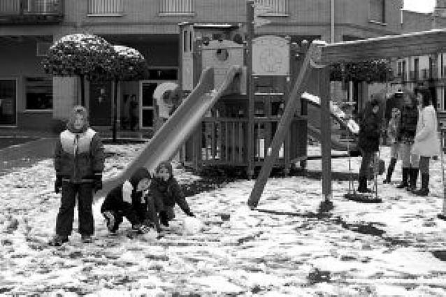 La nieve también llegó a la Ribera estellesa