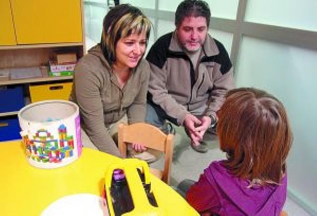 Se buscan familias para dar un hogar temporal a niños con dificultades