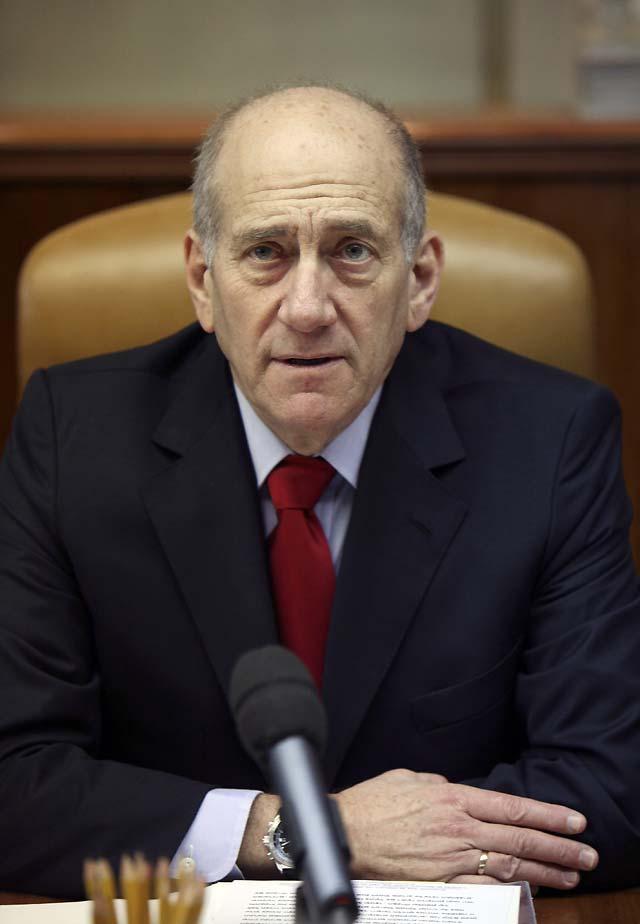 """Olmert dice que manejará la situación """"con sensatez, paciencia y firmeza"""""""