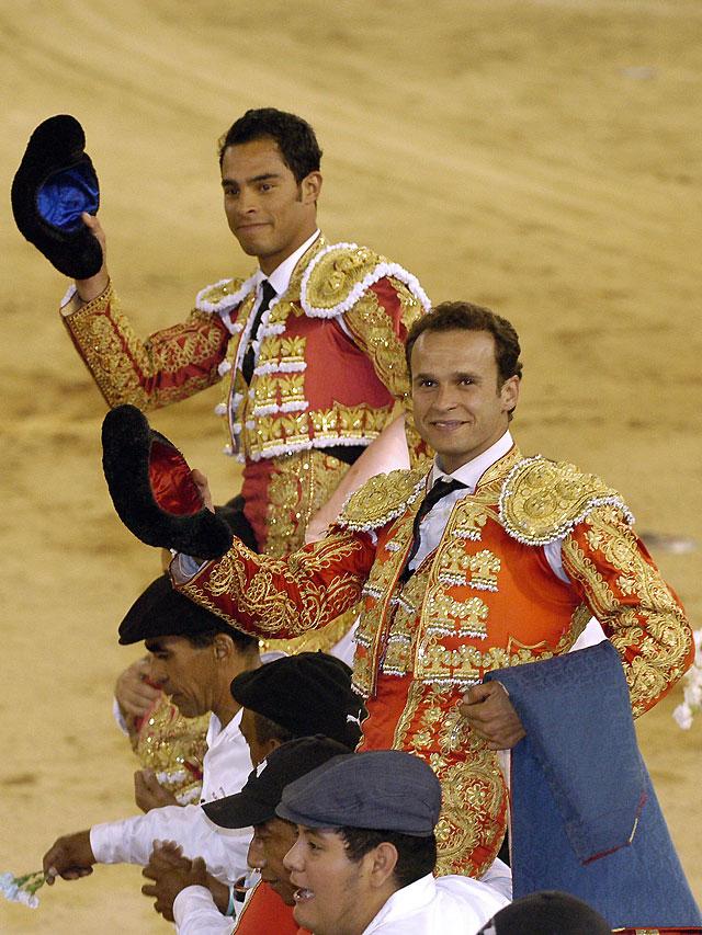 Ferrera y Bolívar, a hombros en la Feria colombiana de Cali