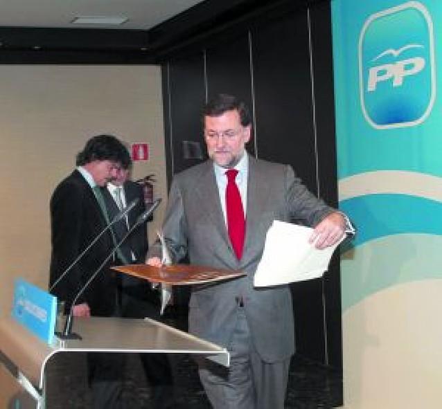 """Rajoy se opone a la reforma por considerarla un """"enorme error"""""""