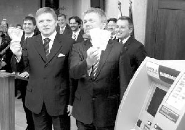 Eslovaquia se convierte en el decimosexto país del euro, en su décimo cumpleaños