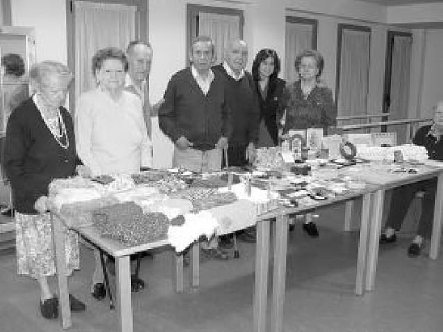 Mercadillo abierto al público en la residencia de ancianos de Mendavia