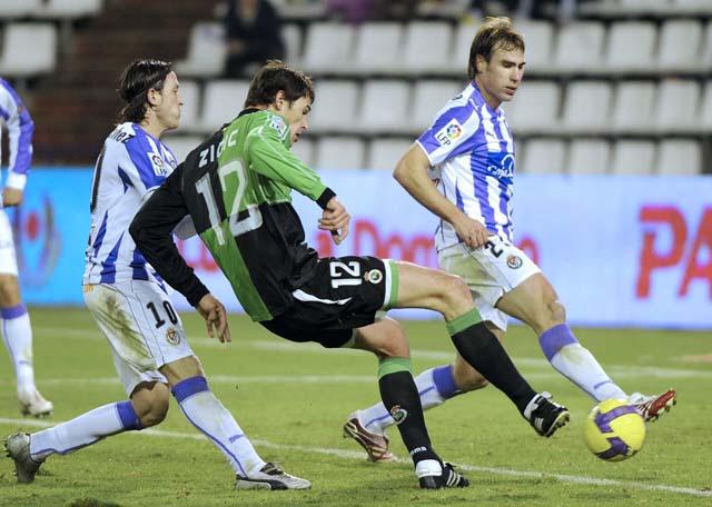 Hugo Sánchez debutó con triunfo en el duelo andaluz