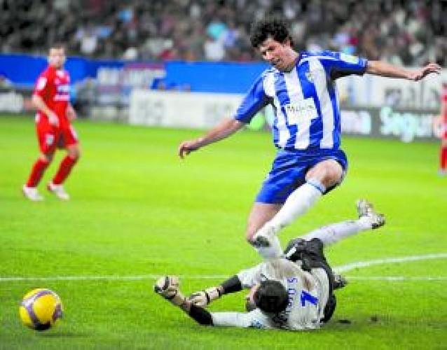 EL Málaga se aprovechó de un Sporting con bajas