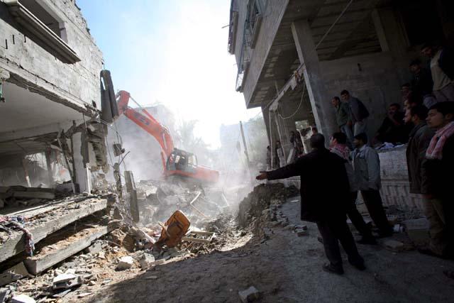 Al menos 43 civiles muertos en ataques israelíes a dos escuelas de la ONU en Gaza