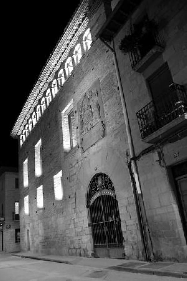 Los monumentos de Olite lucen un nuevo sistema de iluminación artística