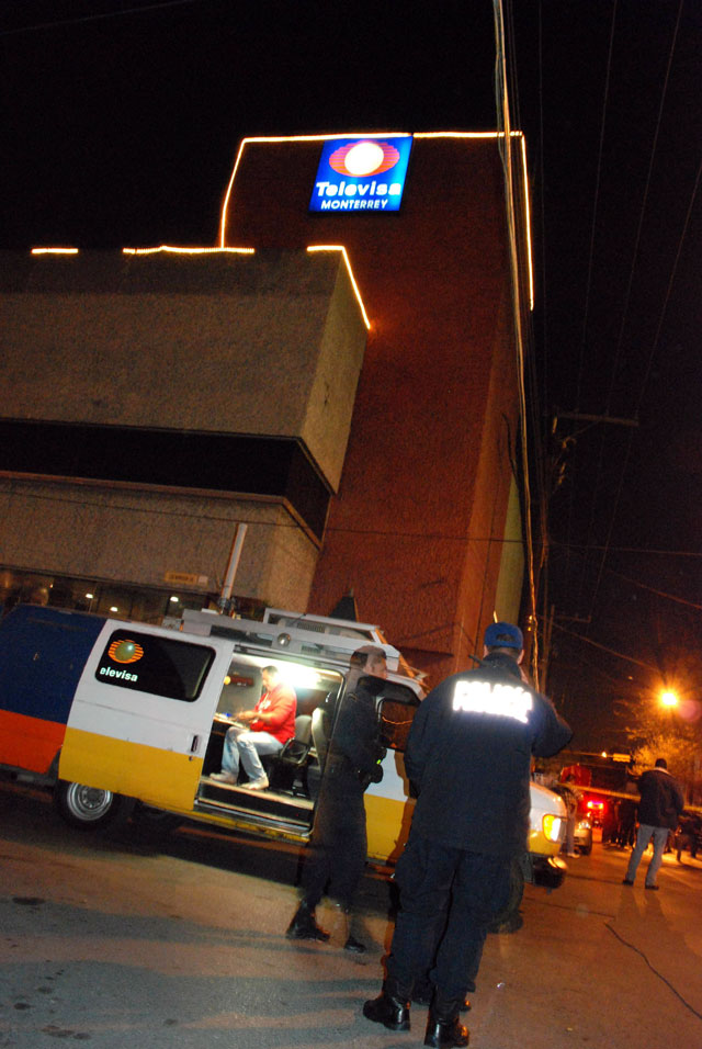 Un grupo armado ataca las instalaciones de la cadena Televisa en Monterrey
