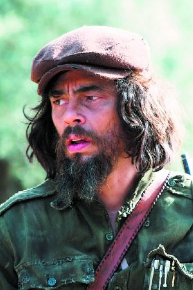 """Benicio del Toro está """"muy contento"""" con los Goya"""