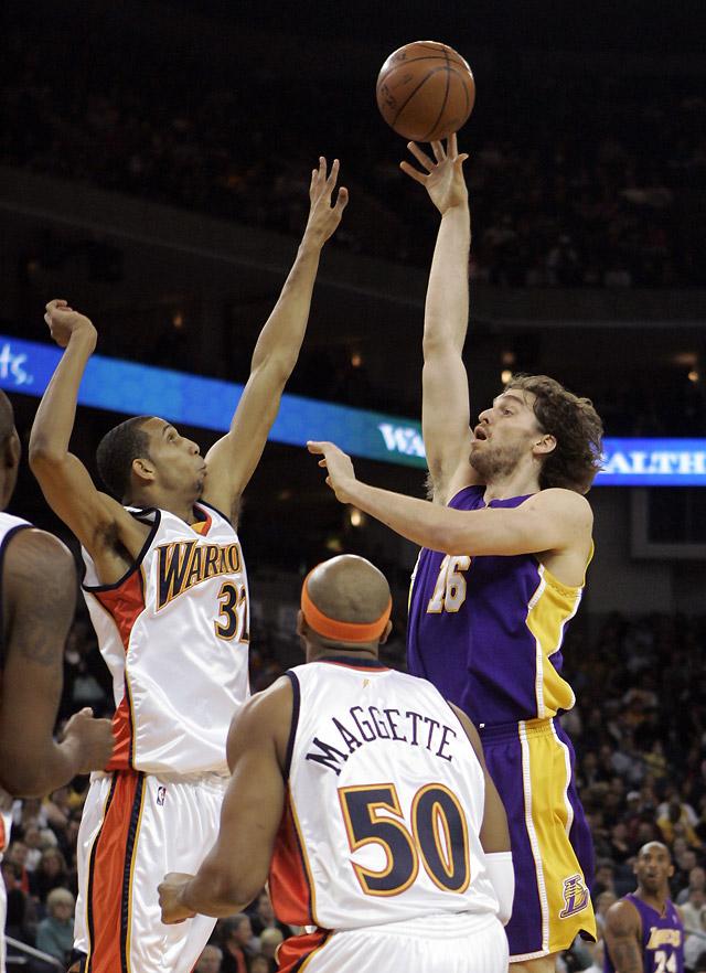 El Gasol inspirado surgió para salvar a los Lakers
