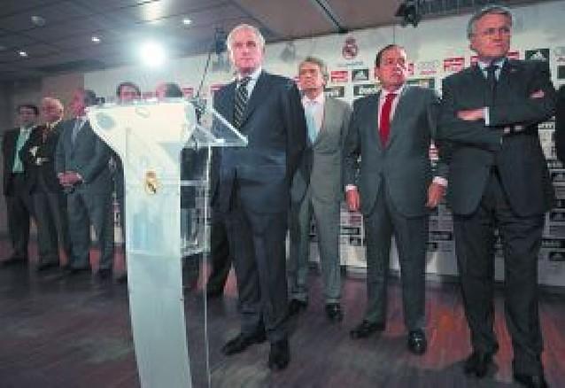 Ramón Calderón dice que no ha hecho nada y que no dimite