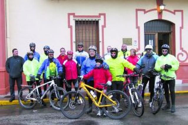 Marcha ciclista por calles y caminos de Castejón