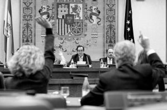 Zapatero comparecerá en el Congreso cada tres meses para explicar su gestión