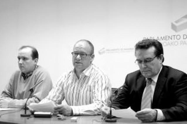 "Acto de NaBai, PSN e IU, contra ""la agresión"" de Israel a Gaza"