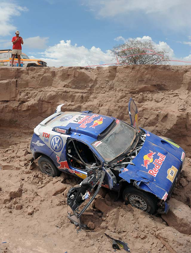 Sainz abandona tras un accidente