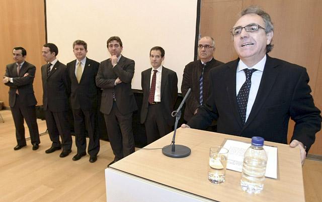 Sanz preside la constitución de la comisión de expertos del Plan Moderna