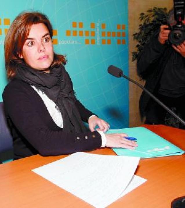 Soraya Sáenz de Santamaríadefiende su polémico posado
