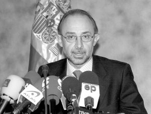 El PP acusa al Gobierno de situar a España en la peor recesión de la democracia