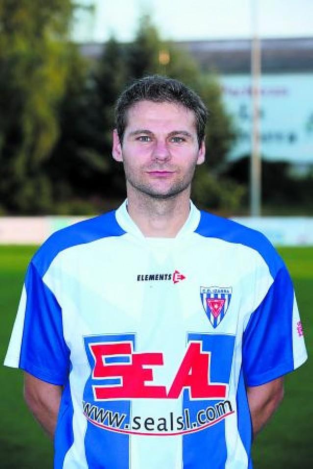 El Izarra es el nuevo líder tras golear al Iruña en Paternáin