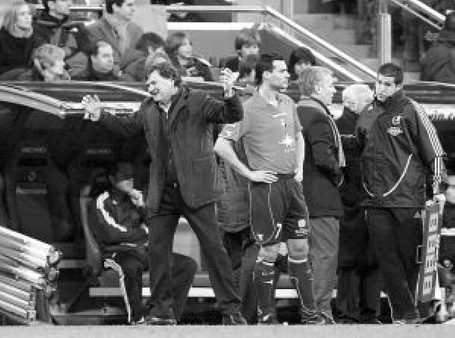 """Camacho: """"El árbitro ha tenido una actitud chulesca y provocadora"""""""