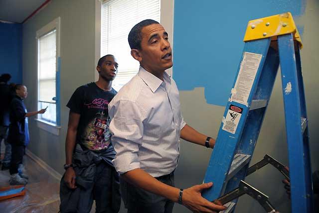 "Obama, ""pintor en jefe"" de adolescentes sin hogar"