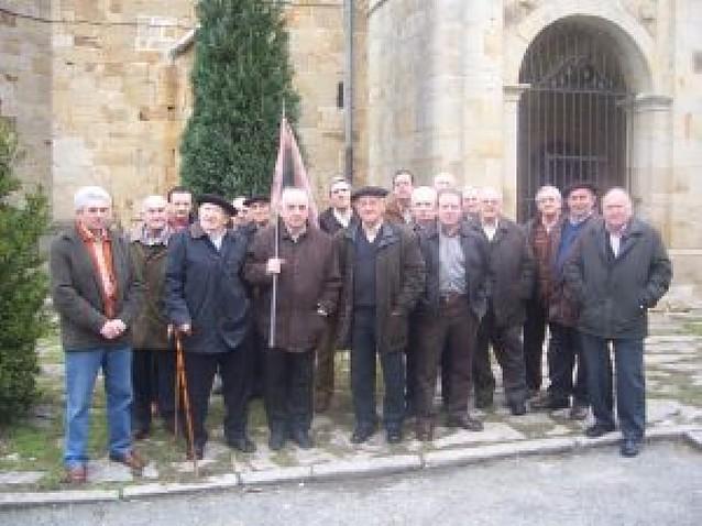 La cofradía de San Antón de Iturmendi renovó el domingo la tradición legada de 1690
