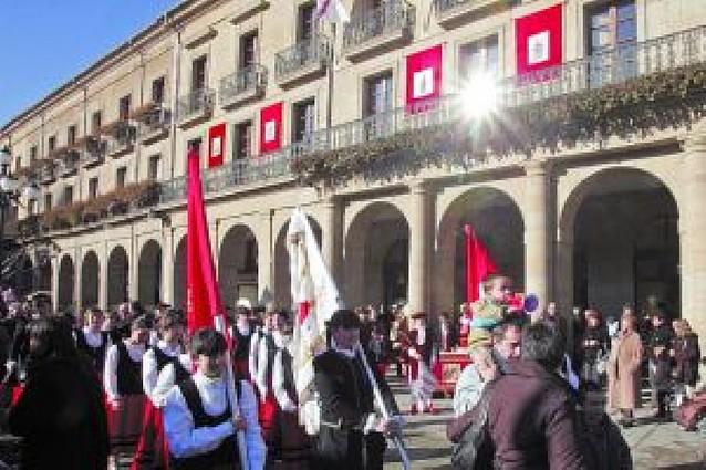 Misa y danzas en el día grande de Tafalla