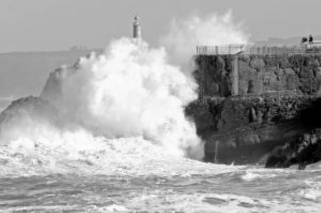 El temporal de nieve, granizo, viento y lluvia azota Galicia