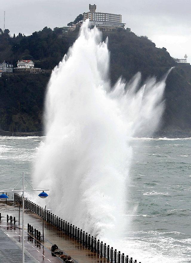 Fuertes vientos surcarán mañana el norte peninsular que estará en alerta también por nieve