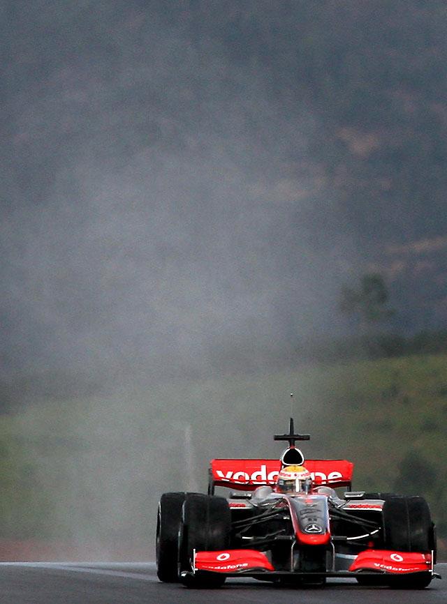 Primer duelo del año entre Alonso y Hamilton