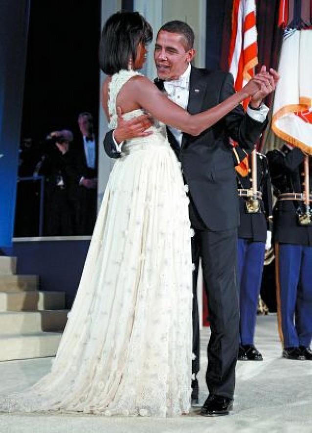 """Barack y Michelle bailaron """"Por fin"""""""