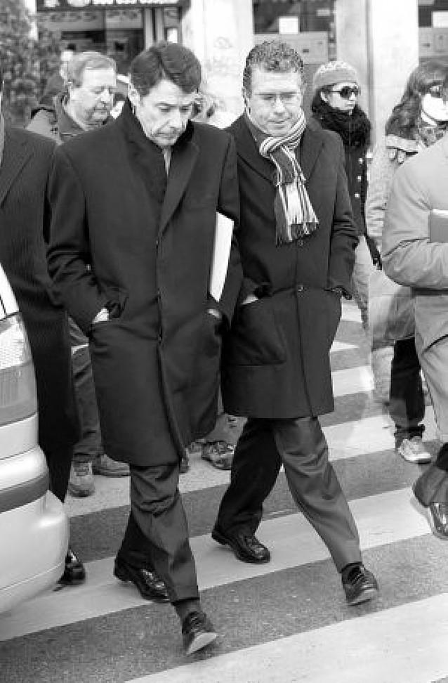 Rajoy exculpa a Aguirre en el caso de espionaje