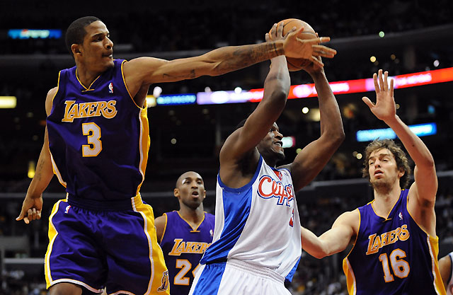 Los Lakers ganan el derbi a Clippers (97-108)