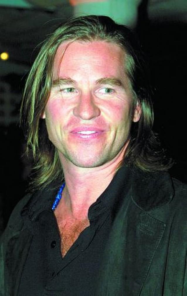 Val Kilmer sigue a Schwarzenegger y entra en la arena política