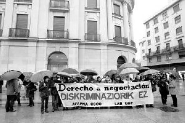 """Los funcionarios moderan sus reivindicaciones económicas ante """"el contexto de crisis"""""""