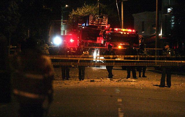 Dos personas mueren por la explosión de un coche bomba en Bogotá