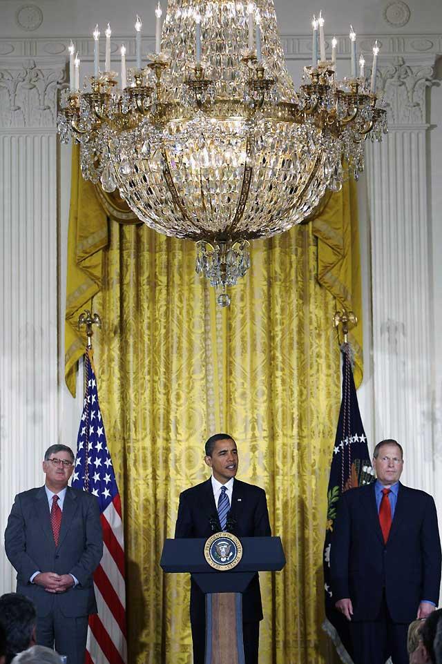 Obama afirma que no hay tiempo que perder y urge a aprobar su plan de estímulo