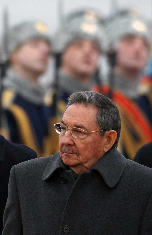 Raúl Castro regresa a Moscú 23 años después para renovar la alianza con Rusia