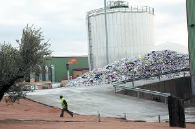 El vertedero de Tudela perderá unos 20 empleos al dejar de tratar los envases de Zaragoza