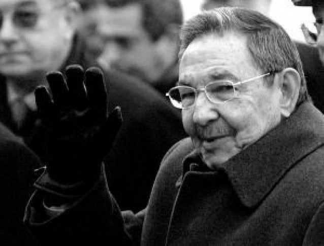 Raúl Castro viaja a Rusia para renovar la alianza con Moscú