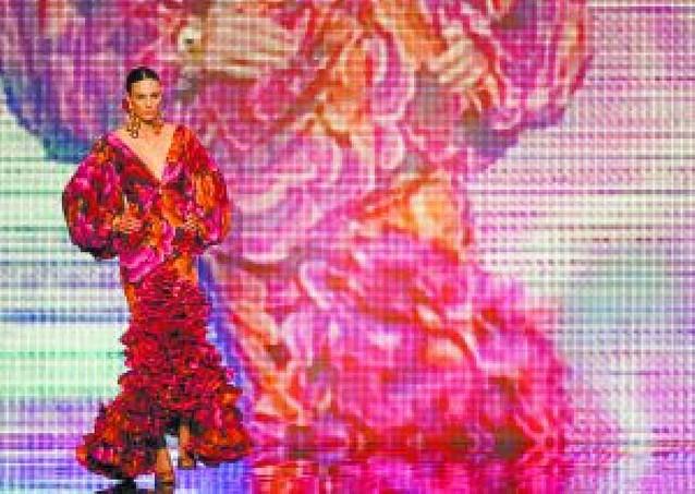 Pasarela de Moda Flamenca en Sevilla con 1.200 diseños
