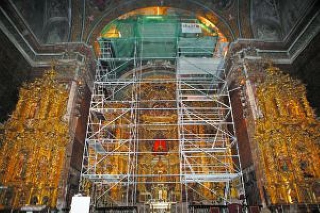 Un taller de restauración a 16 metros de altura